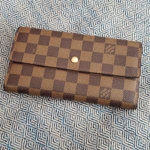 LV Signature Wallet